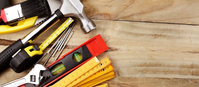 Does a handyman need insurance if he works on my house?